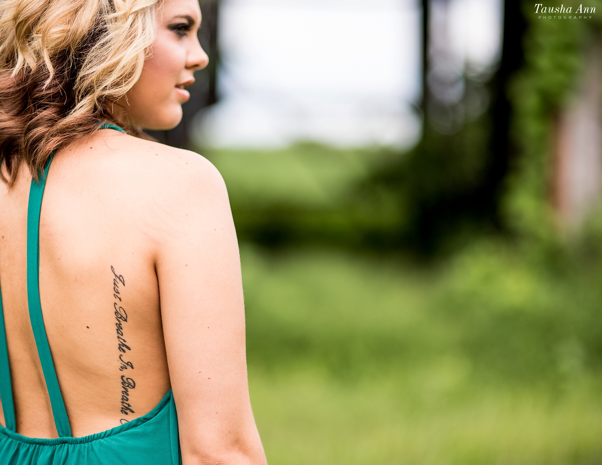 Nashville-Family-Photographer-Adams-TN-Farm-Shadrick-tausha-ann-photography-tattoo-on-back-0080