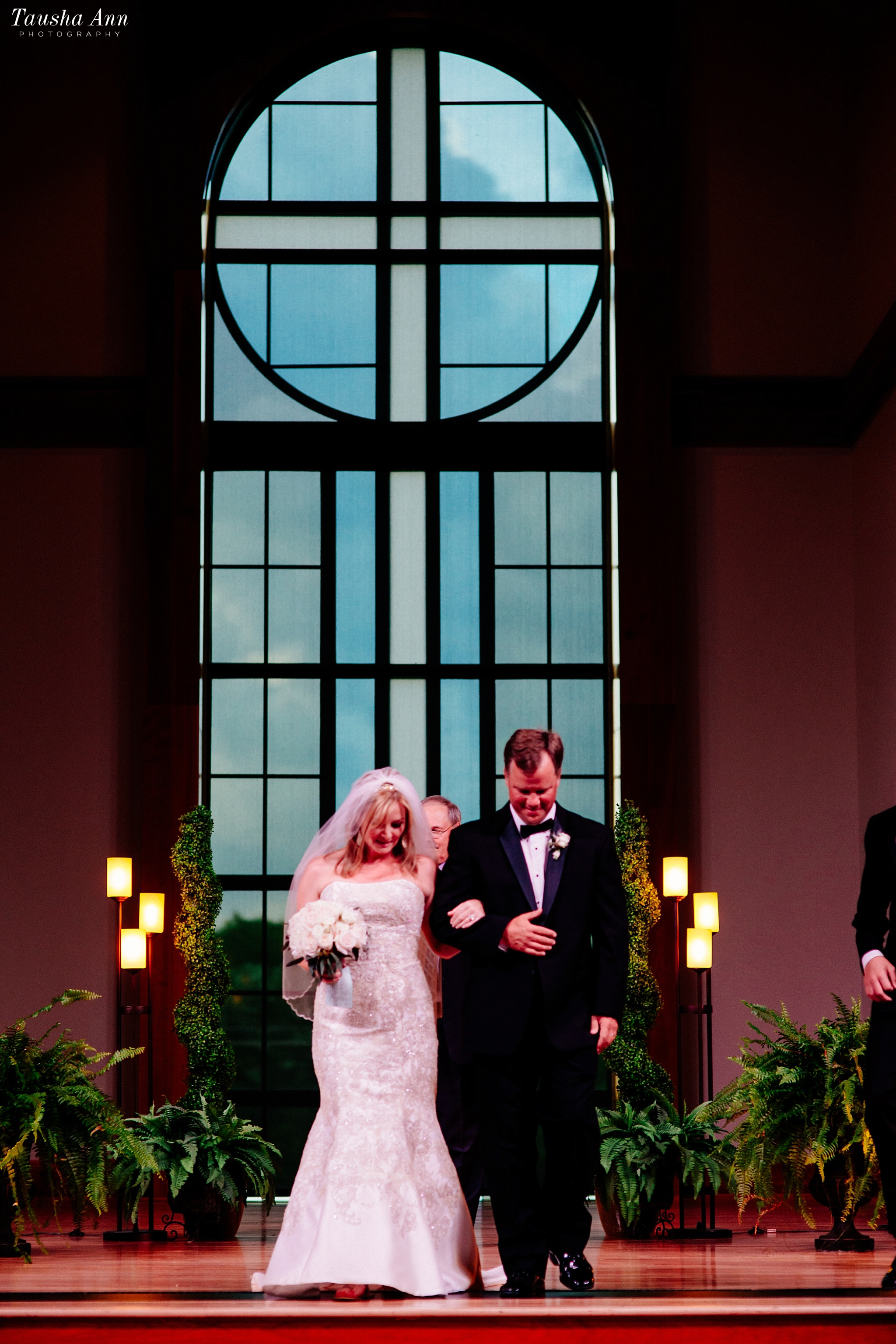 Nashville_Wedding_Photographer_Tausha_Dickinson_Photography_small_Family_Wedding_Franklin_TN_0060