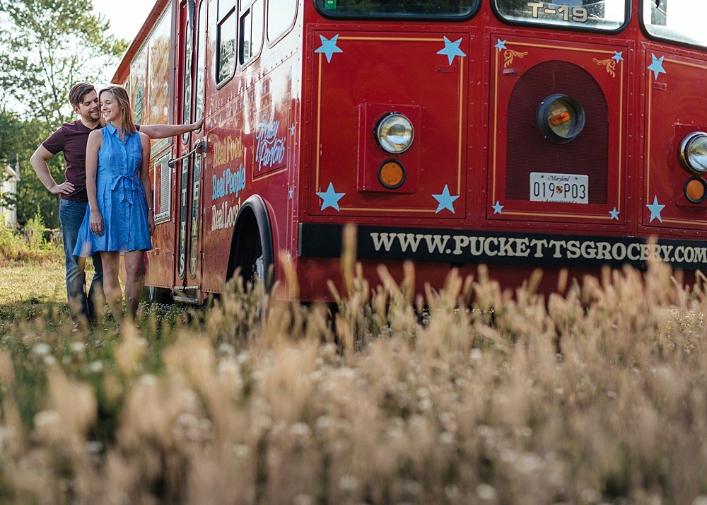Puckett's Grocery Food Truck and Love - Nashville-Wedding-Photographer-Engagement_Photos_Downtown_Franklin_TN_Tausha_Ann_Photography_0006